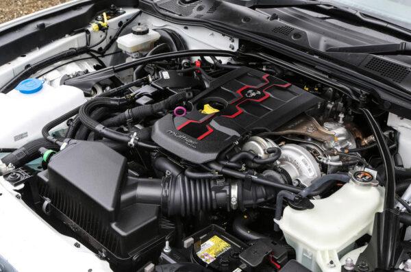 124スパイダーのエンジン